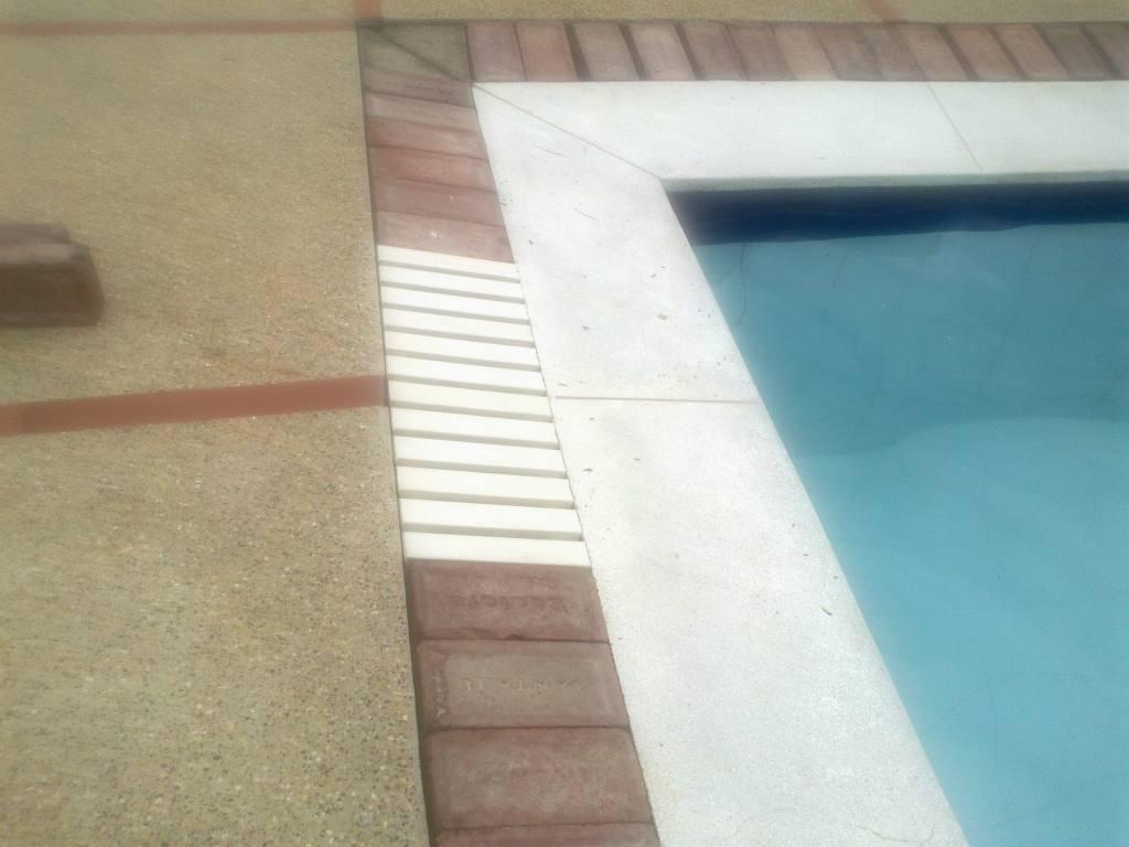 Rejilla plastica para piscinas for Rejilla piscina